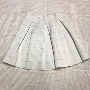 Medium White Pleated Skirt